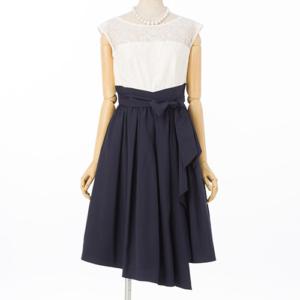 エメのフラワーチュールレースのレンタルドレス