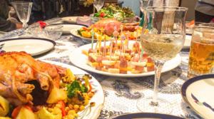 家族で食事会イメージ