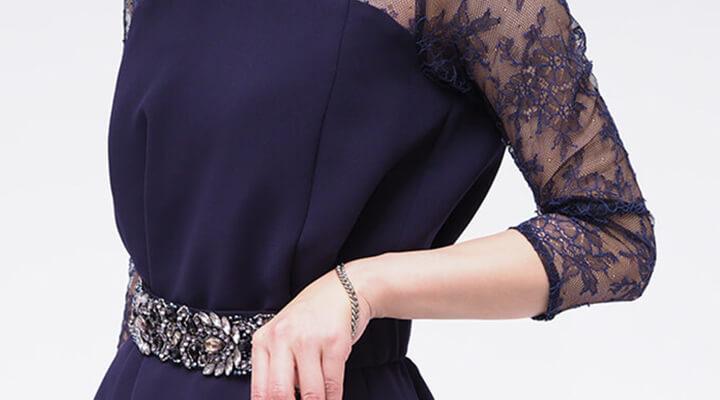 [2018トレンド]結婚式の服装は袖レースドレスが気分!