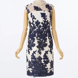 GRACECONTINENTALグレースコンチネンタルのコードチュール刺繍タイトドレス