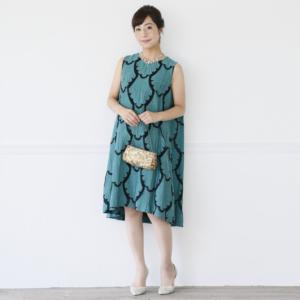 グレースコンチネンタルのバックドレープジャガードドレス