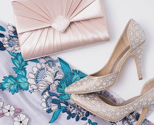 結婚式バッグ選びはレンタルで! バッグの基本マナー&コーデ