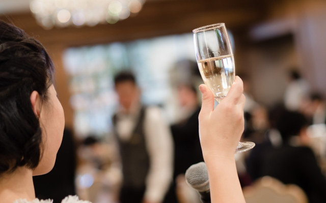 結婚式の乾杯の挨拶[関係別]失敗しない文例集!