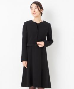 東京ソワール 裾サテンノーカラージャケット&フレアワンピース
