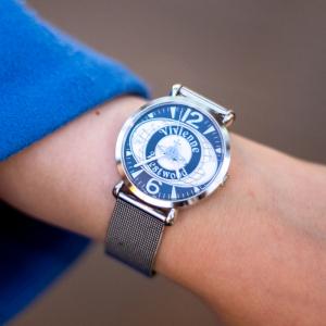 時計:Vivienne Westwood
