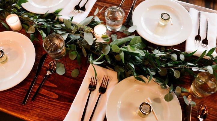 結婚式での料理のマナーについて