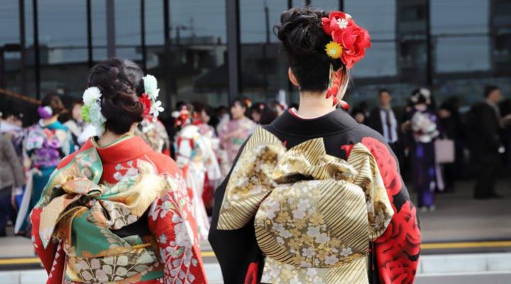 【成人式&二次会・同窓会】失敗しないドレス選びのポイント