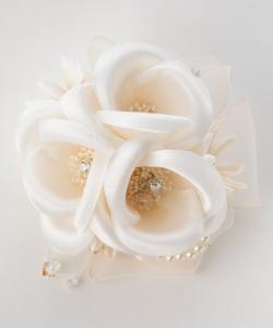 form forma フォルムフォルマ 3つ花ミニコサージュ